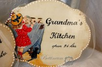 "Szyld ""Grandma's Kitchen"""