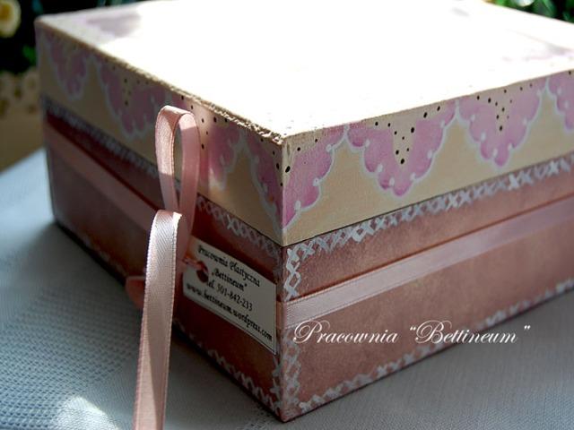 Ciasteczkowe pudełko z aniołkiem